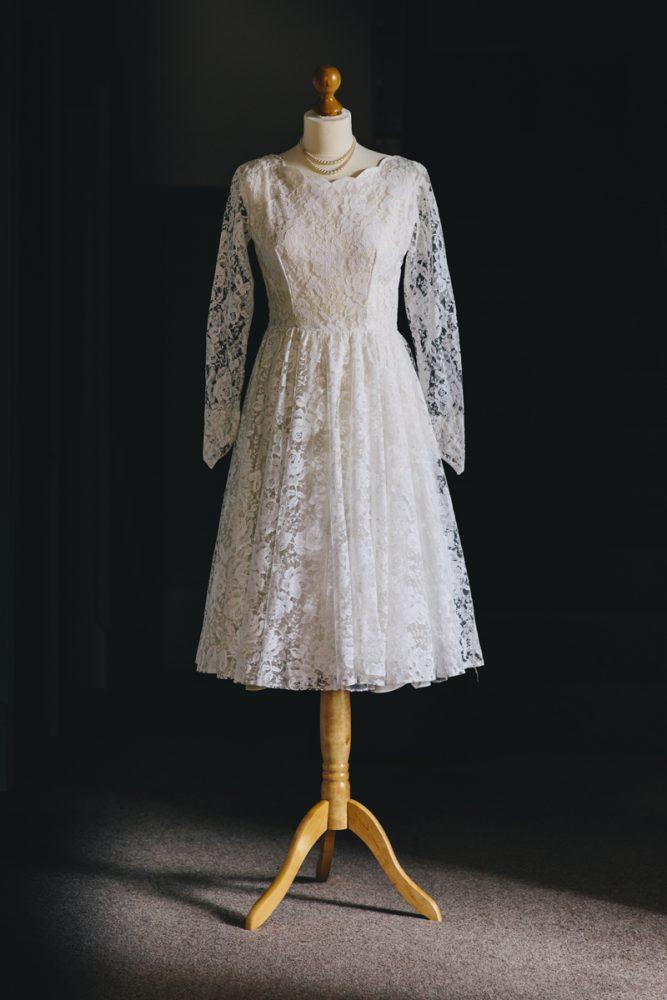 Vintage-wedding-dress-violet-1