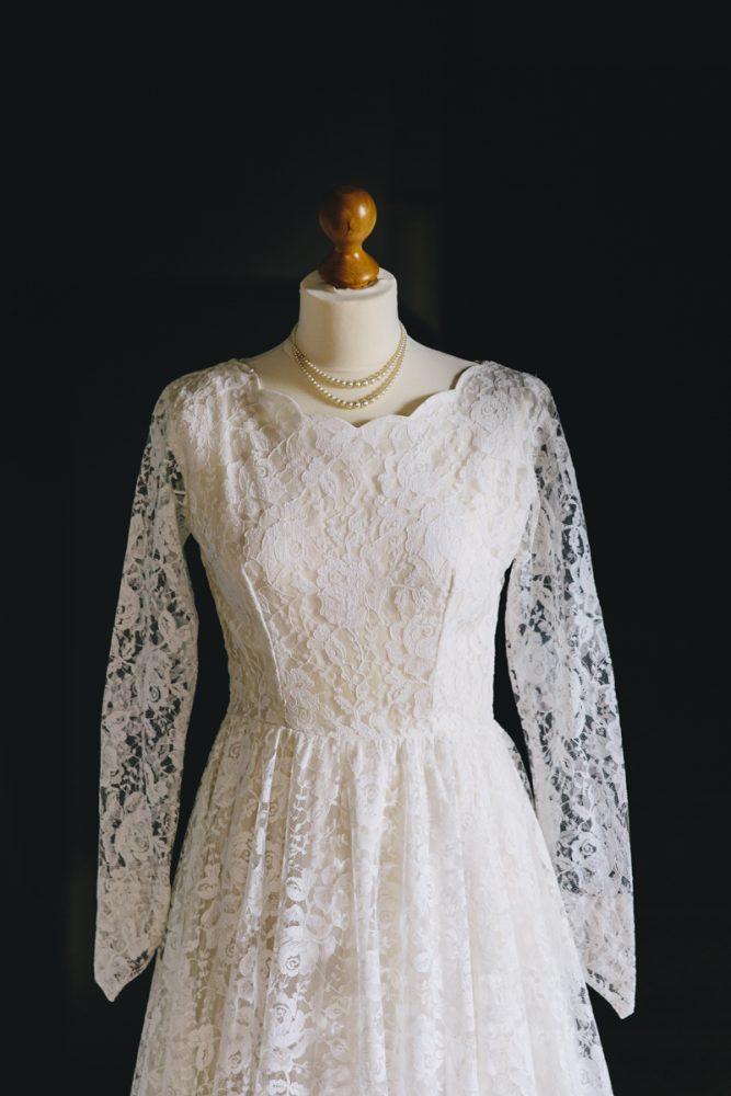 Vintage-wedding-dress-violet-2